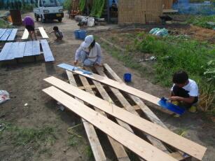 20110729キットハウス 外壁材ペンキ塗り.jpg